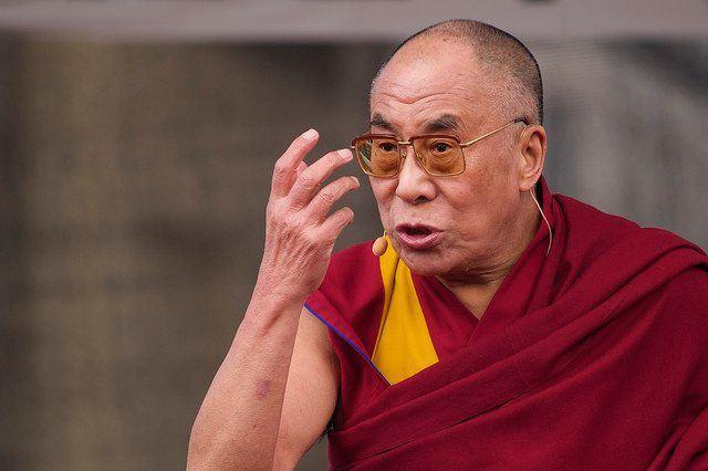 dalai-lama-tendu